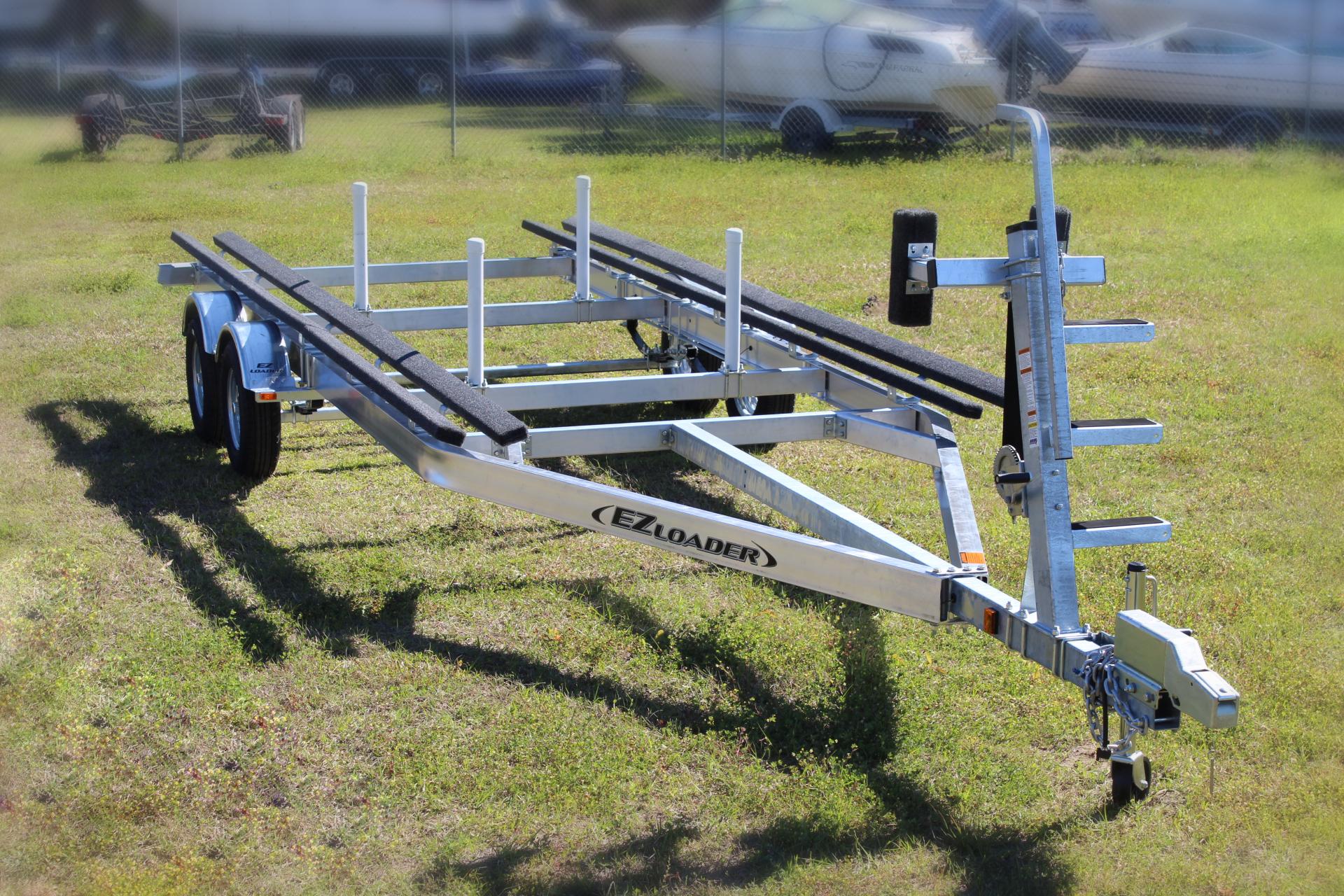 Aluminum Pontoon Tandem Axle Trailer ready for the family ...